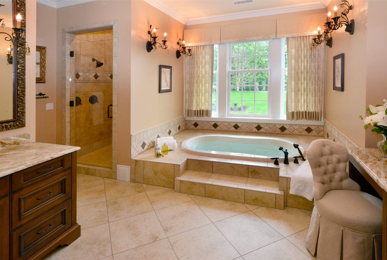 Grand Ridge Master Bathroom Interior Design