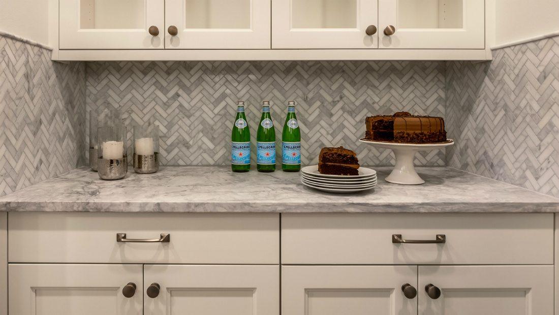 counter-top-backsplash-cabinet-storage-interior-design