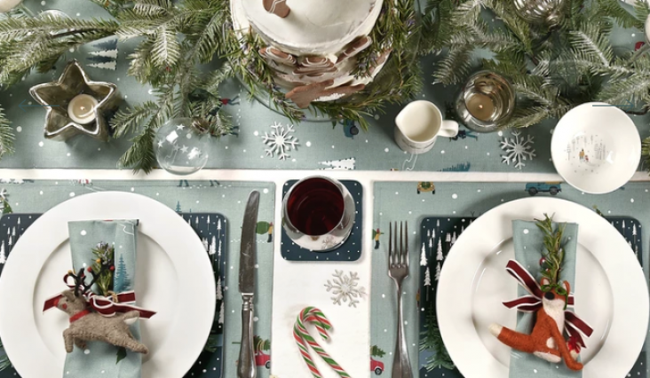 Merry Tablescapes