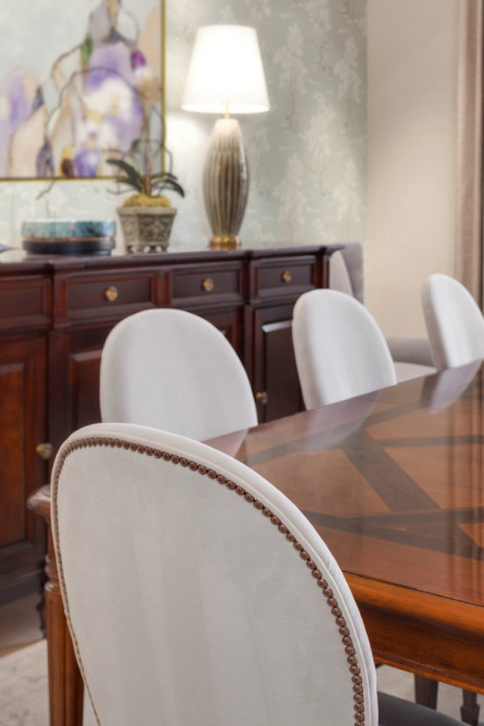 sammamish-wa-dining-table-chairs-michelle-yorke