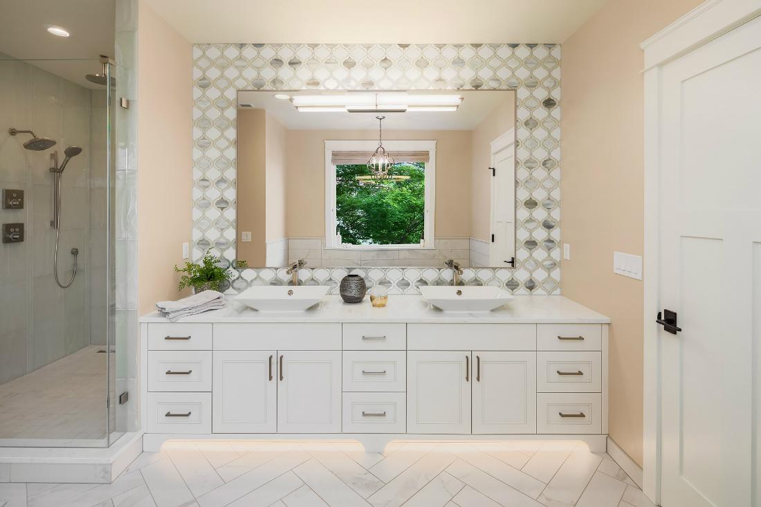 sammamish-wa-master-bathroom-design-michelle-yorke