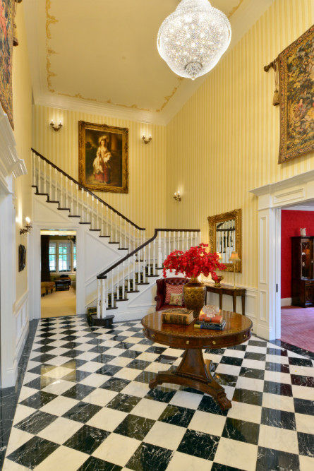 checkered-marble-floor-issaquah-wa-entry-way
