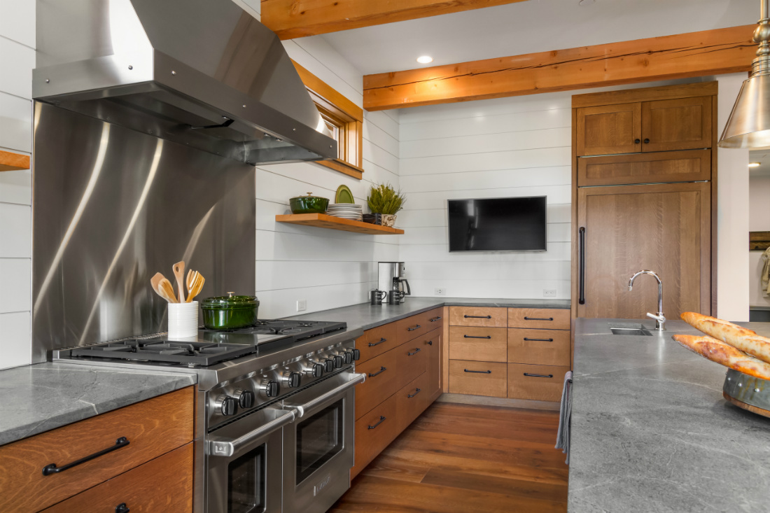cle-elum-wa-shiplap-walls-kitchen-interior-design