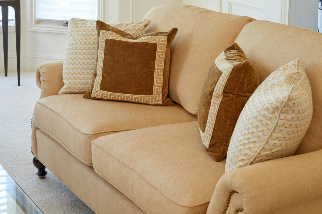 couch-detail-interior-design-michelle-yorke-2