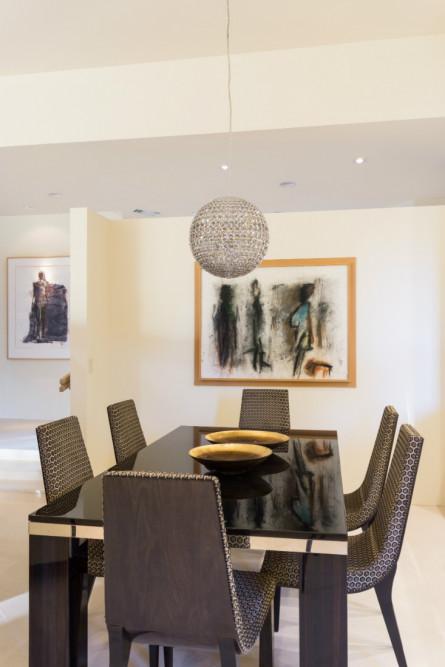 dining-table-black-globe-chandelier-palm-springs-ca