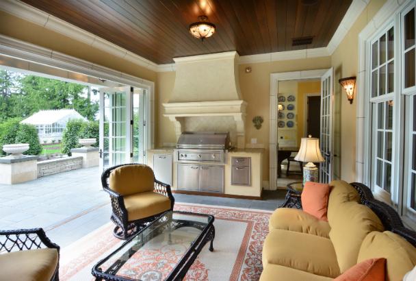 issaquah-wa-sunroom-open-doors-outdoor-grill