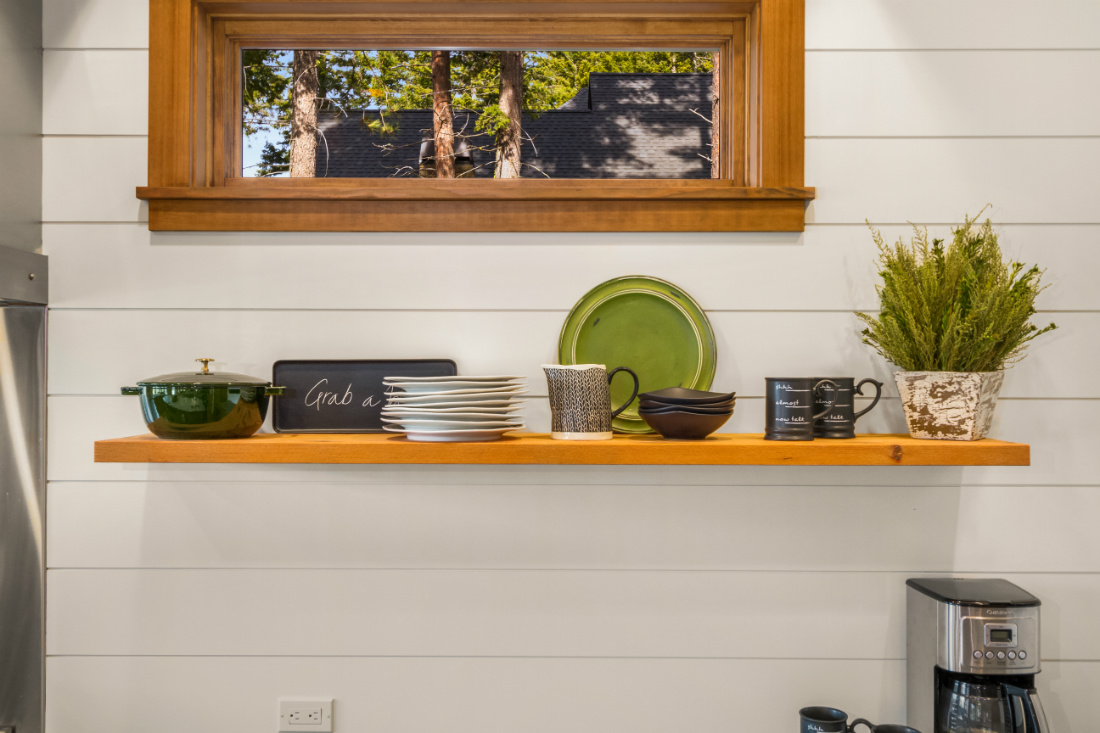 kitchen-shelf-flatware-disware-open-shelving