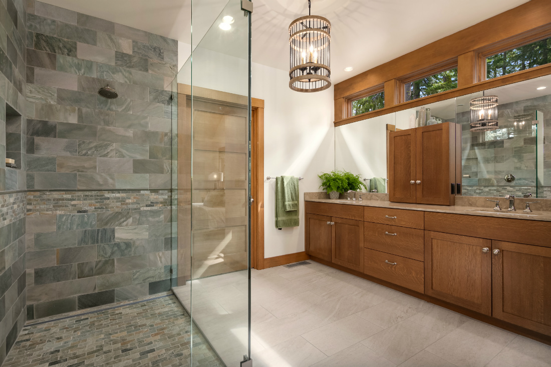large-master-bathroom-interior-design-stone-shower-walls