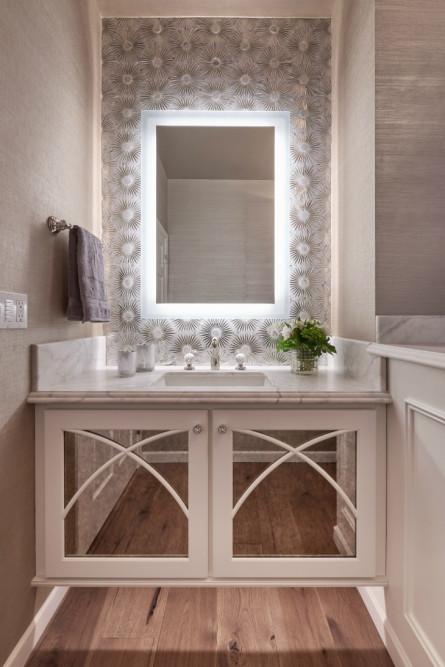 michelle-yorke-bathroom-interior-design-light-behind-mirror