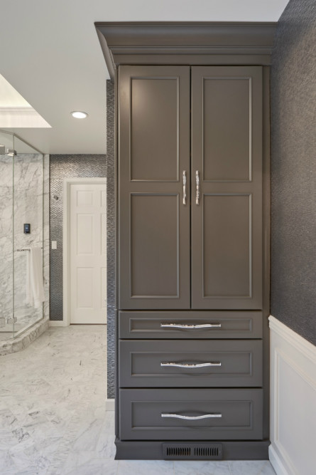 michelle-yorke-bathroom-linen-closet-design