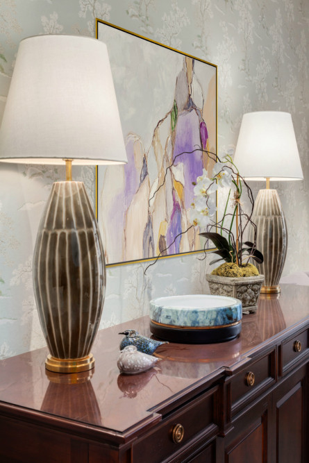 michelle-yorke-interior-design-dining-room-side-board-lamps