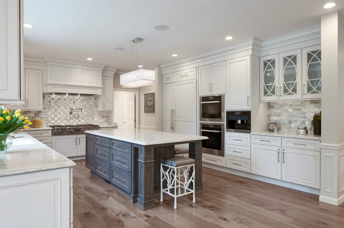 michelle-yorke-interior-design-kitchen-island-redmond-wa