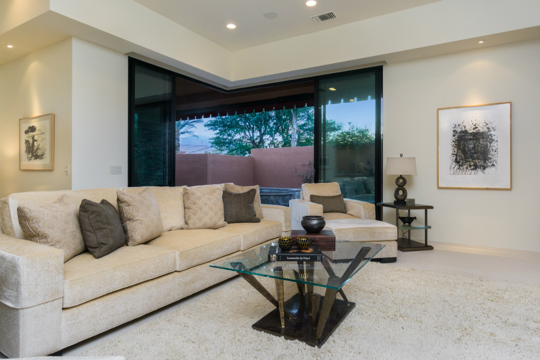palm-springs-ca-couch-living-room-design