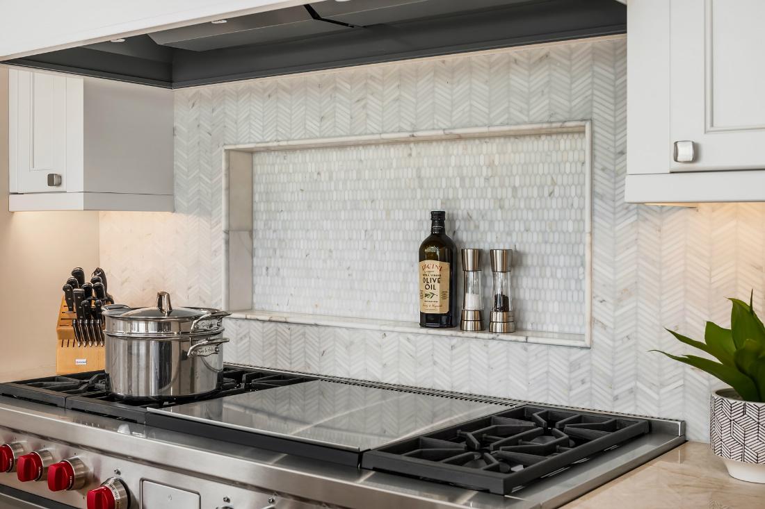 stove-tile-backsplash-shelf
