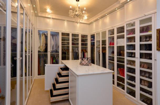 walk-in-closet-dressing-room-issaquah-wa-interior-design
